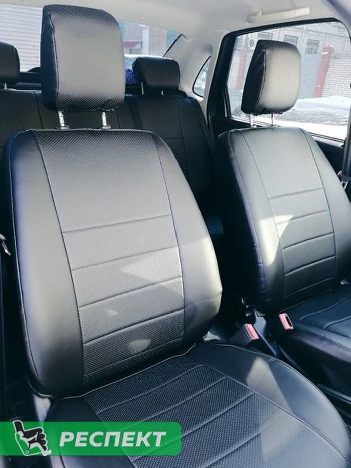 Черные авточехлы из экокожи на Lada Granta 2017г. с дизайном 'обычный' без декоративных строчек производства Респект