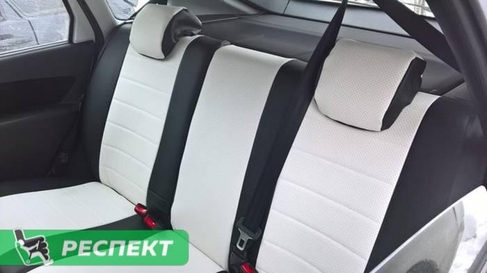 Черно-белые авточехлы из экокожи на Lada Granta 2017г. с дизайном 'обычный' без декоративных строчек производства Респект