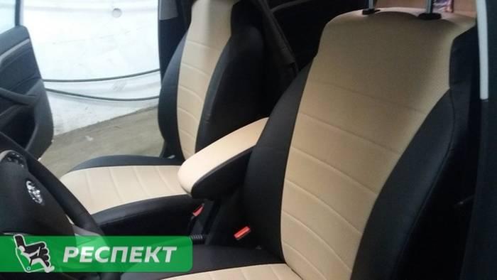 Черно-бежевые авточехлы из экокожи на Lada Vesta 2019г. с дизайном 'обычный' без декоративных строчек производства Респект