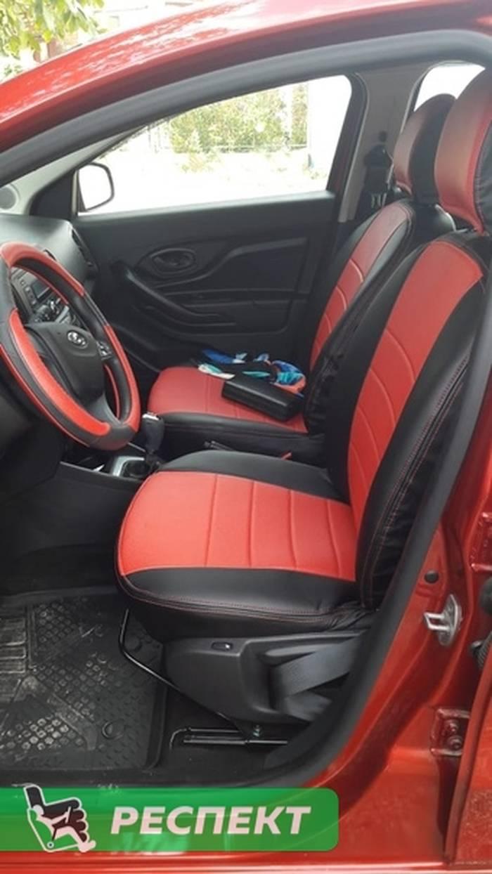 Черно-красные авточехлы из экокожи на Lada X-Ray 2018г. с дизайном 'обычный' и двойной декоративной строчкой красными нитками производства Респект