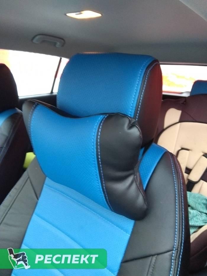 Черно-синие авточехлы из экокожи на Hyundai Creta 2018г. с дизайном 'обычный' и двойной декоративной строчкой синими нитками производства Респект