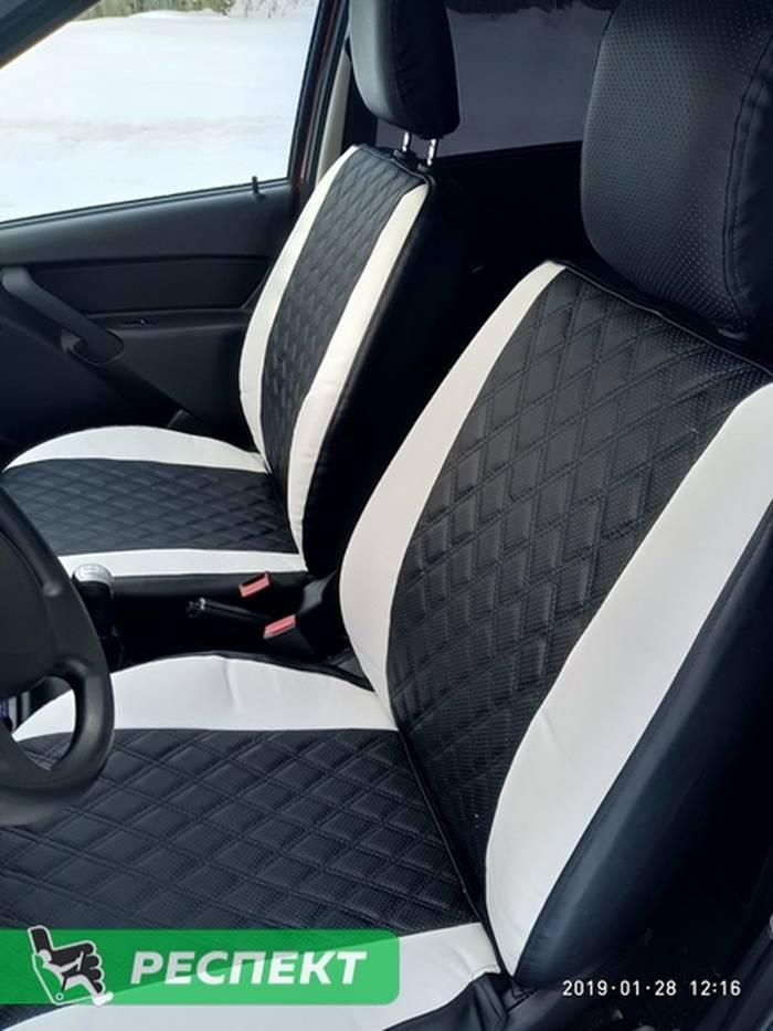 Черно-белые авточехлы из экокожи на Lada Granta 2018г. с дизайном 'двойные ромбы' без декоративных строчек производства Респект