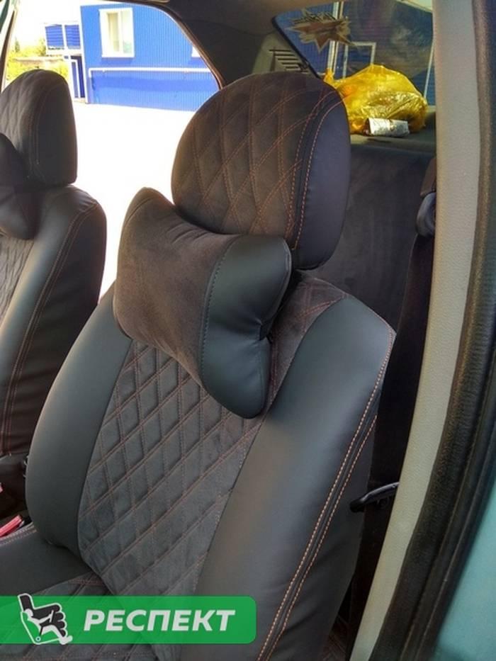 Черно-серые авточехлы из экокожи на Renault Logan 2011г. с дизайном 'двойные ромбы' и двойной декоративной строчкой оранжевыми нитками производства Респект
