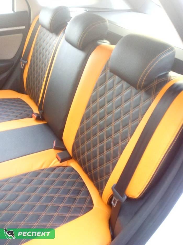 Черно-оранжевые авточехлы из экокожи на Lada Vesta 2017г. с дизайном 'двойные ромбы' и двойной декоративной строчкой производства Респект