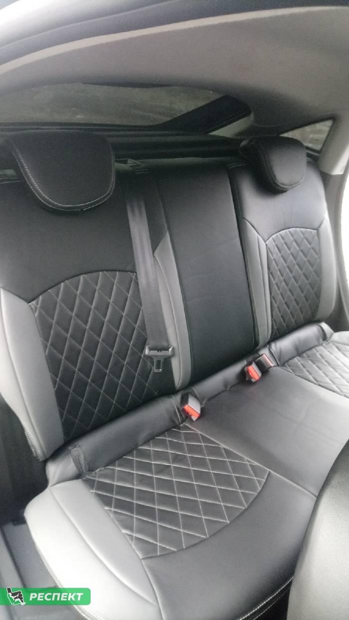 Черно-серые авточехлы из экокожи на Renault Arkana 2019г. с дизайном 'ромбы' и двойной декоративной строчкой производства Респект