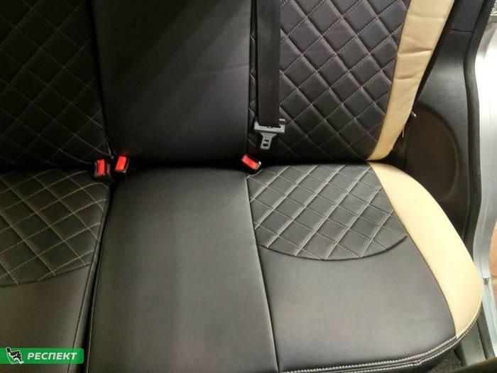 Черно-бежевые авточехлы из экокожи на Ford Fusion 2008г. с дизайном 'квадраты' и двойной декоративной строчкой производства Респект