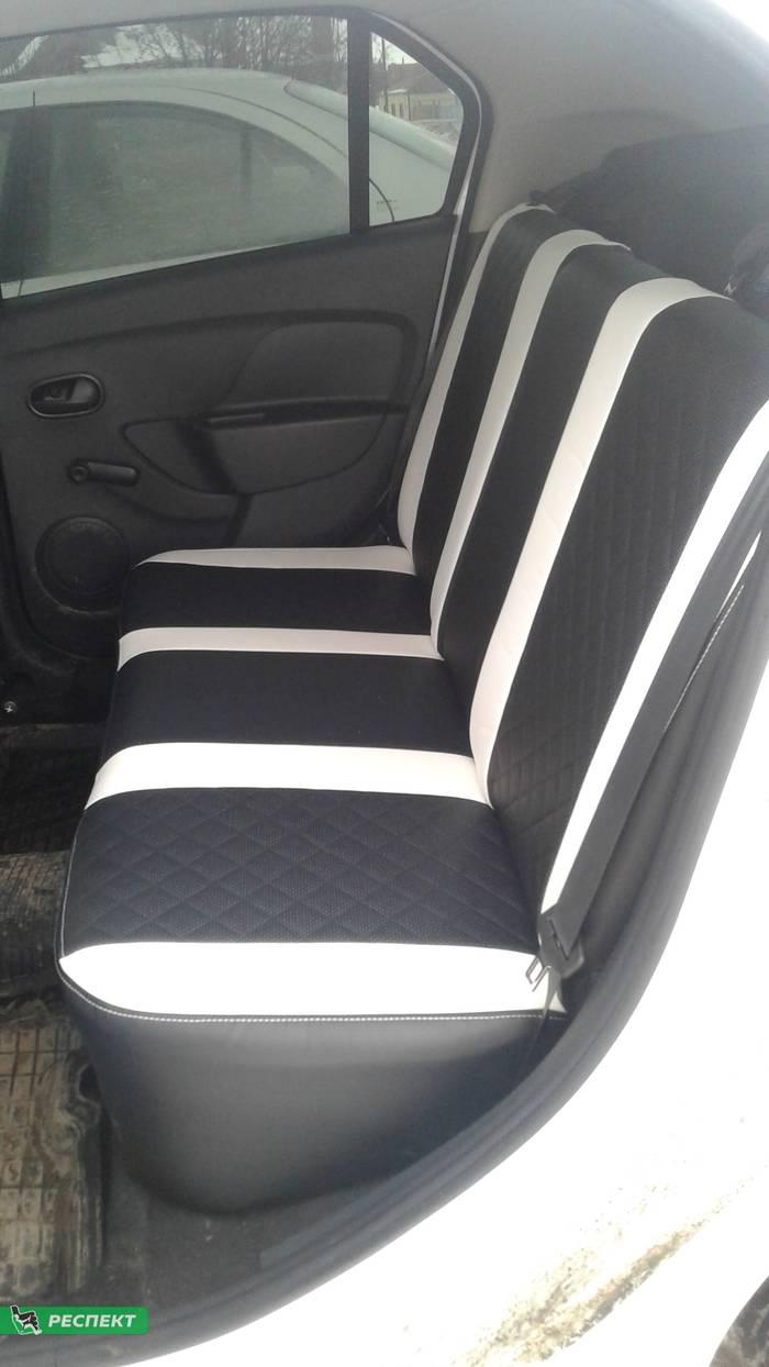 Черно-белые авточехлы из экокожи на Renault Logan 2019г. с дизайном 'квадраты' и двойной декоративной строчкой производства Респект