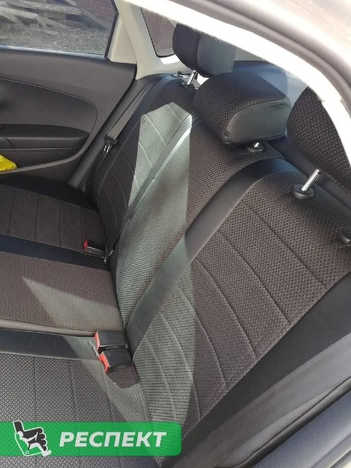 Черные авточехлы из экокожи на Volkswagen Polo 2017г. с дизайном 'обычный' без декоративных строчек производства Респект