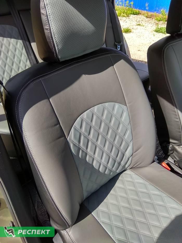 Темно-светлосерые авточехлы из экокожи на Nissan Almera G15 2015г. с дизайном 'двойные ромбы' и двойной декоративной строчкой серыми нитками производства Респект
