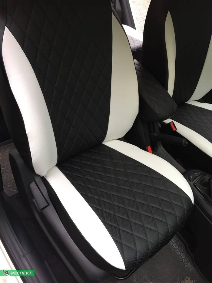 Черно-белые авточехлы из экокожи на Lada Vesta 2017г. с дизайном 'ромбы' без декоративных строчек производства Респект