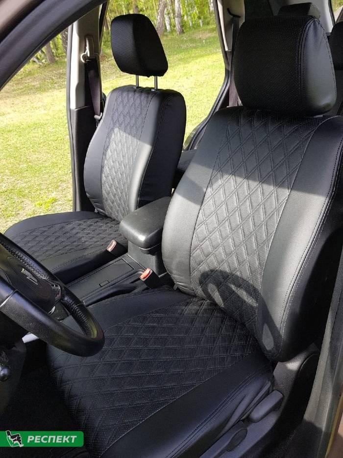 Черные авточехлы из экокожи на Suzuki Grand Vitara 2010г. с дизайном 'двойные ромбы' и двойной декоративной строчкой черными нитками производства Респект