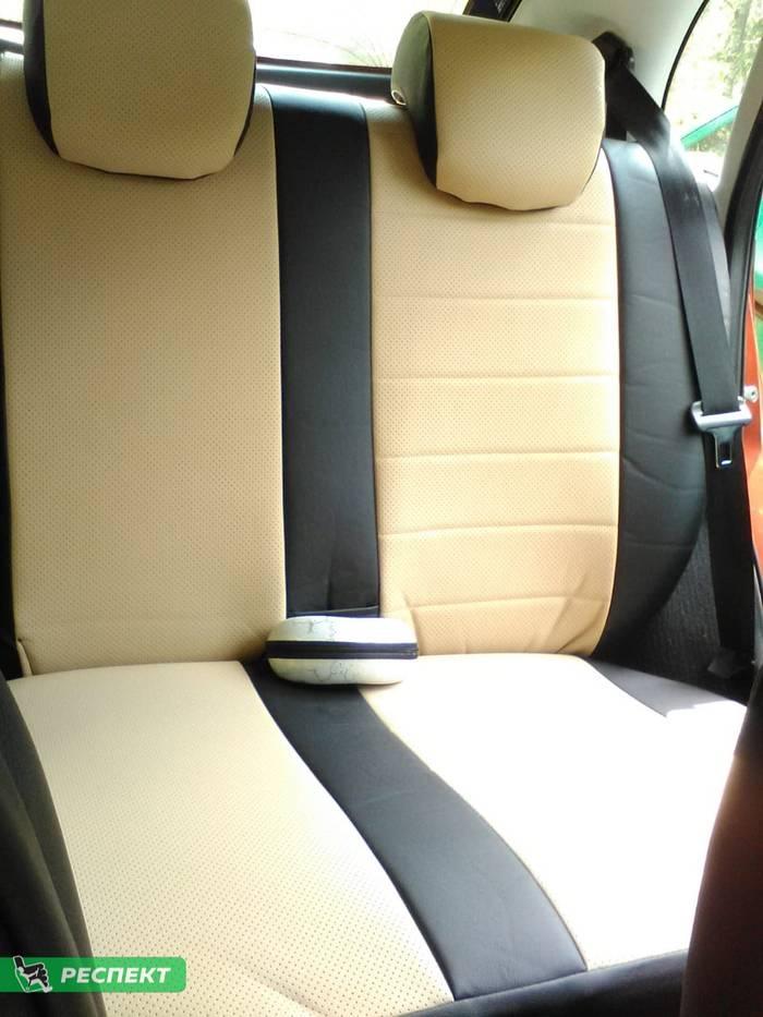 Черно-бежевые авточехлы из экокожи на Datsun on-Do 2018г. с дизайном 'обычный' без декоративных строчек производства Респект