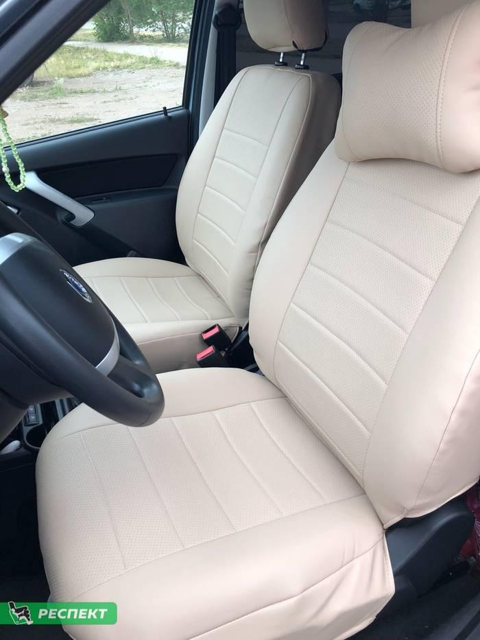 Бежевые авточехлы из экокожи на Datsun mi-Do 2017г. с дизайном 'обычный' без декоративных строчек производства Респект