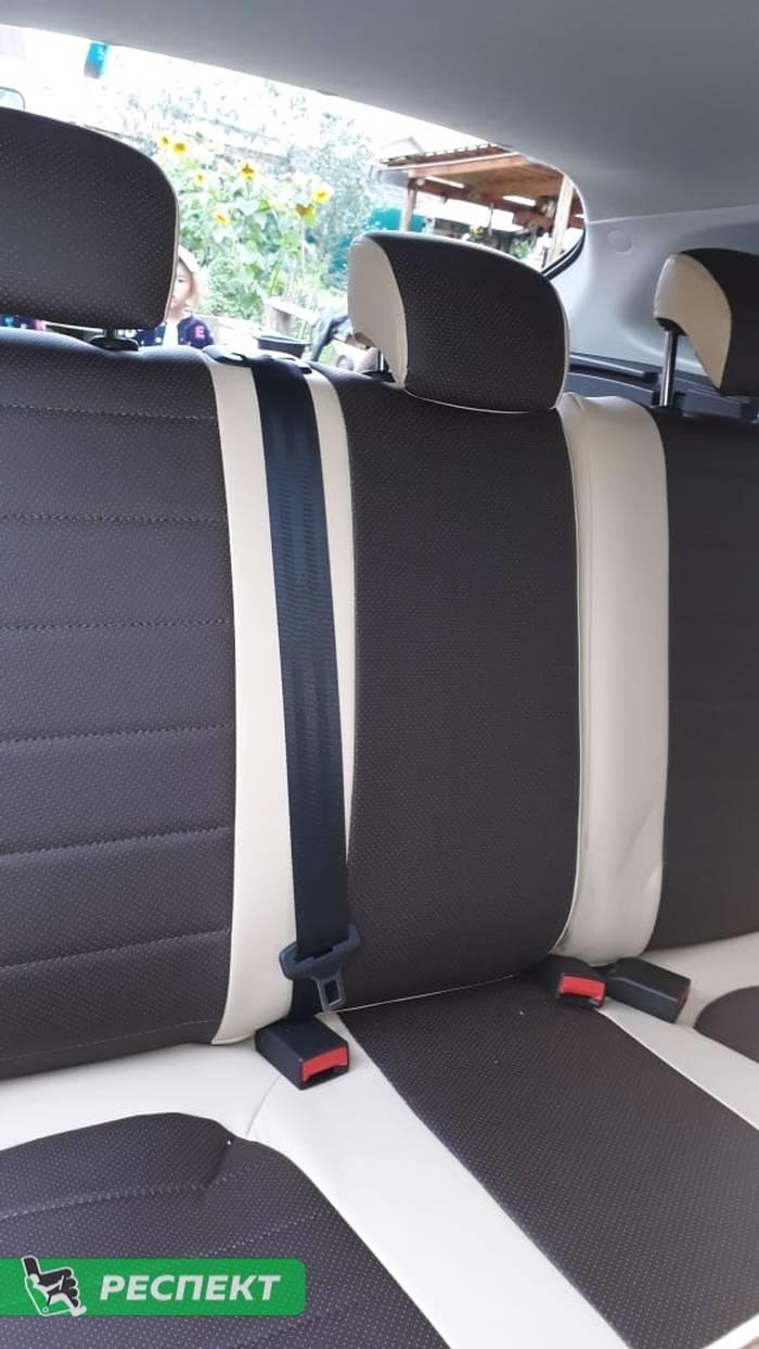 Бежево-коричневые авточехлы из экокожи на Lada Vesta 2018г. с дизайном 'обычный' без декоративных строчек производства Респект