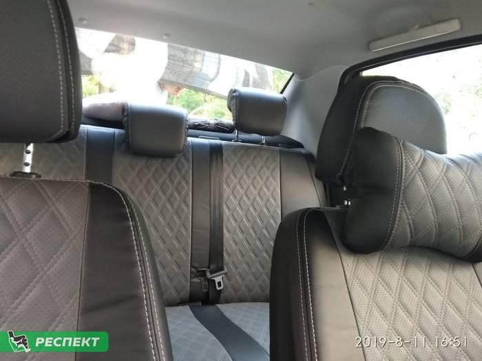 Черно-серые авточехлы из экокожи на Datsun on-Do 2018г. с дизайном 'двойные ромбы' и двойной декоративной строчкой производства Респект