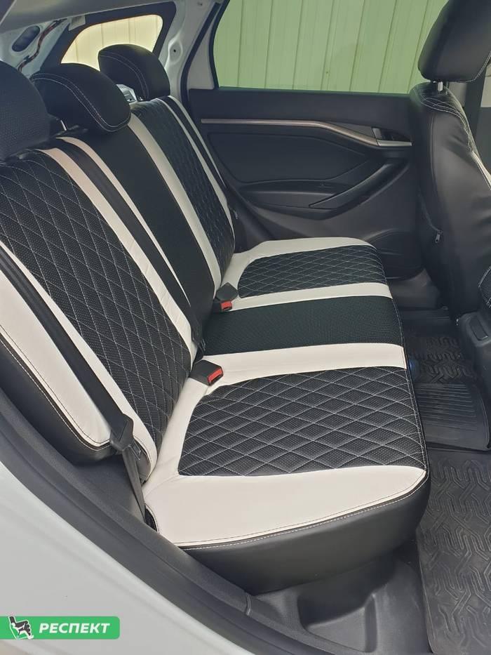 Черно-белые авточехлы из экокожи на Lada Vesta 2018г. с дизайном 'ромбы' и двойной декоративной строчкой производства Респект