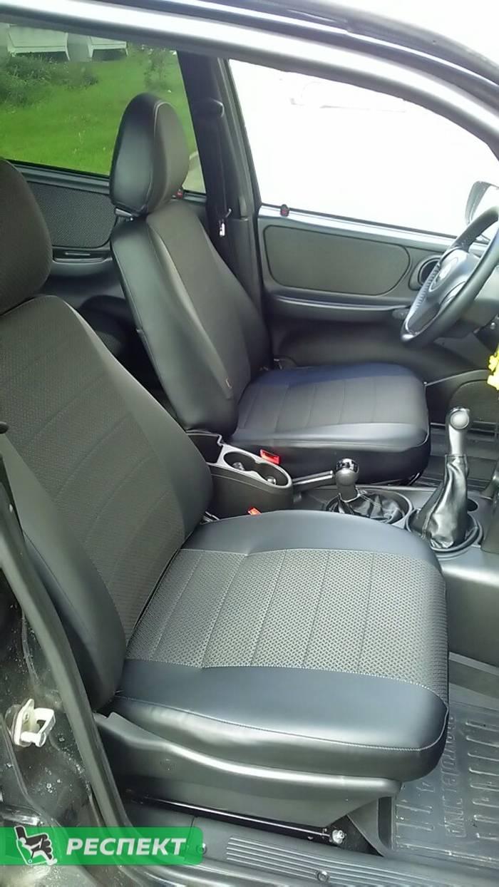 Черные авточехлы из экокожи на Chevrolet Niva 2015г. с дизайном 'обычный' без декоративных строчек производства Респект