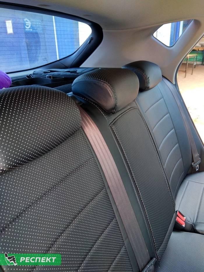 Черные авточехлы из экокожи на Kia Ceed 2015г. с дизайном 'обычный' без декоративных строчек производства Респект