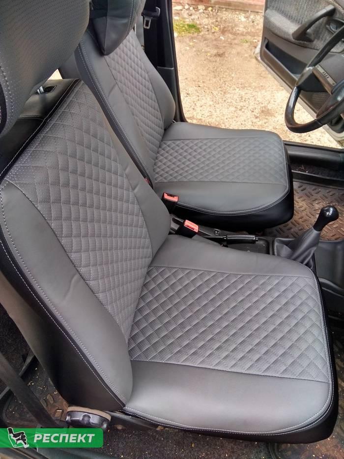 Черно-серые авточехлы из экокожи на Lada 2114 2009г. с дизайном 'мелкие квадраты' и двойной декоративной строчкой производства Респект