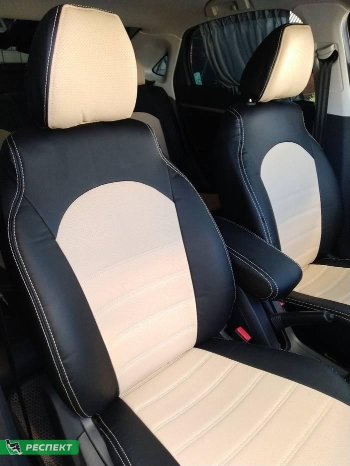 Черно-бежевые авточехлы из экокожи на Lada Vesta 2020г. с дизайном 'двойные горизонтальные полосы' и двойной декоративной строчкой производства Респект